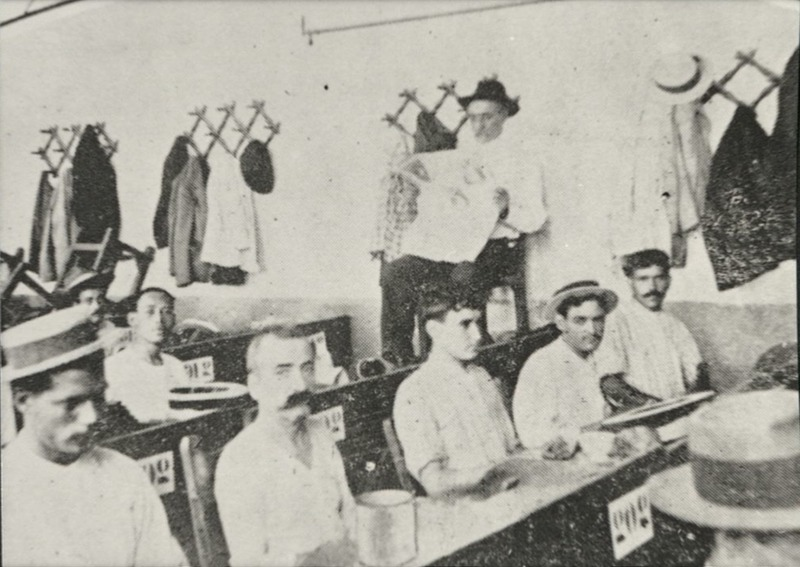 Lector of 1910